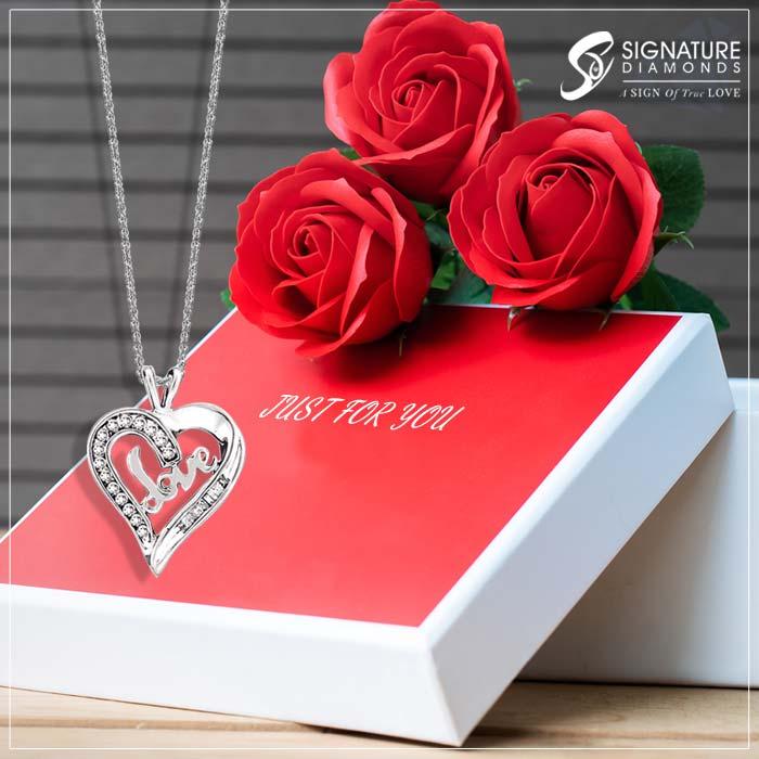diamond-pendants-for-valentines-day-at-signature-diamonds
